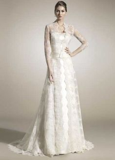 Our favorites looks from the line-up of beautiful wedding dresses from Raimon Bundó 2012 bridal collection. Stunning Wedding Dresses, Best Wedding Dresses, Perfect Wedding Dress, Bridal Dresses, Beautiful Dresses, Wedding Gowns, Wedding Coat, Wedding Attire, Lace Wedding