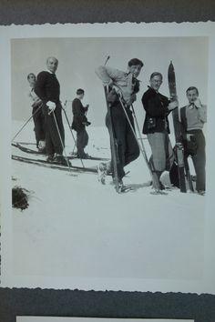 We love a good group holiday on the slopes! Vintage Ski, Skiing, Group, Tableware, Holiday, Painting, Art, Ski, Craft Art