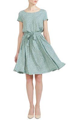 Голубое платье в цветочек