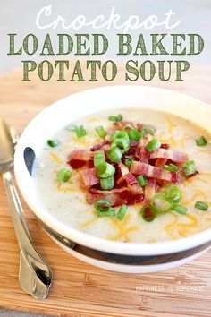 Crockpot Loaded Baked Potato Soup Recipe - this is comfort food at its best, and it only takes 10 minutes of prep work! Great for busy weeknights!