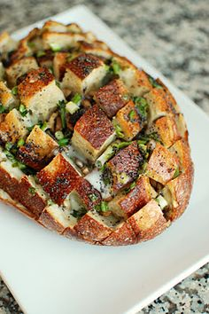Cheesy mushroom pull-apart bread recipe--good for parties, and looks just plain good <3