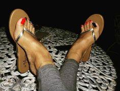 Beautiful Toes, Pretty Toes, Feet Soles, Women's Feet, Tong Cuir, Jamel Shabazz, Long Toenails, Tongs, Cork Wedges