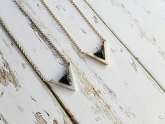 Colliers – Black howlite stone triangle V Pyramid necklace – a unique product by Milky-peach via en.DaWanda.com