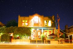 Bistro l'Ange Cornu, L'Assomption (Quebec) Chefs, Restaurant, Canada, Mansions, Coin, House Styles, Urban, Angel, Tourism
