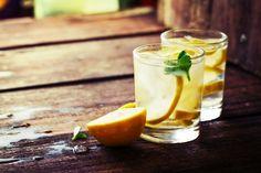 朝はレモンウォーターを。五感を刺激してハッピーな気分になる4つの方法