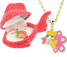 Animal pendants that come with a matching box.