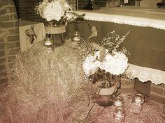 vintage, heno, arreglos flores y velas