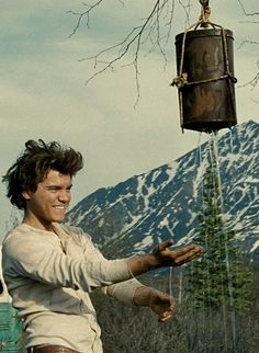 Into The Wild directed by Sean Penn starring Emile Hirsch, non-fiction novel by Jon Krakauer Charles Bukowski, Series Movies, Film Movie, Movies Showing, Movies And Tv Shows, Alex Supertramp, Christopher Mccandless, 7 Arts, Pop Rock