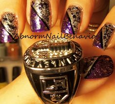 La kings Nails http/. Classy Nails, Cute Nails, Pretty Nails, Hockey Nails, King Nails, Nail Ideas, Manicure Ideas, La Nails, Dream Nails