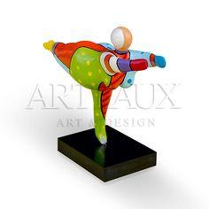 Dikke dame/Little fat lady Made bij Froukje van der Wal www Ceramic Sculpture Figurative, Plus Size Art, Wale, Ceramic Figures, Fat Women, Garden Art, Paper Art, Design Art, Modern Art