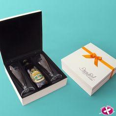 Kit de taças de chope Personalizados para lembrancinha de padrinhos de Casamento. www.rosapittanga.com.br
