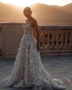 Latest Wedding Gowns, Plus Wedding Dresses, Dresses Short, Bridal Dresses, Lace Dresses, Bustier Wedding Dresses, Couture Wedding Gowns, Designer Wedding Dresses, Dress Lace