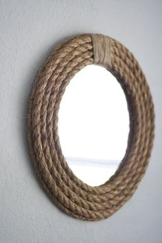 We have talked in the past about DIY decorations and rope crafts. It gives a rustic touch and fits perfectly in every room. So today we have some new unique DIY ideas with rope decoration. Mirror Crafts, Home Decor Mirrors, Diy Home Decor, Diy Mirror Decor, Decor Interior Design, Diy Design, Interior Ideas, Rope Crafts, Diy Crafts