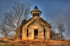 Appalachian Mountain People & Places Old Church Old Abandoned Buildings, Old Buildings, Abandoned Places, Church Building, School Building, Old School House, School Days, Abandoned Train Station, Country School