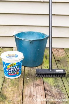 Deck Cleaning Supplies For Homemade Deck Cleaner Recipe The Best Inexpensive And Eco-Friendly Diy Deck Cleaner Ever Homemade Cleaning Products, House Cleaning Tips, Spring Cleaning, Cleaning Hacks, Cleaning Supplies, Cleaning Solutions, Cleaning Humor, Office Cleaning, Diy Products