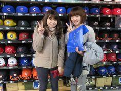 【ベースボール館】2015.02.18 台湾人観光客のお客様になります。お土産をご購入頂きました。またのご来店お待ちしております。