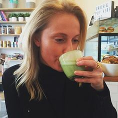 Things that make me happy? Friends loving our #mixnmatcha as much as we do. Our beautiful babe @dawestagram enjoying a #mixnmatcha latte at @mrhubbardcafe. Get your own #mixnmatcha at www.matchamaiden.com