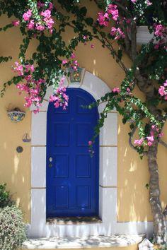 Pretty door - Kefalonia, Greece