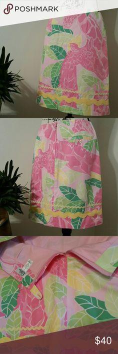 Lilly Pulitzer Vintage Giraffe Skirt Size 6 Excellent condition adorable Lilly Pulitzer vintage skirt in Size 6. Lilly Pulitzer Skirts