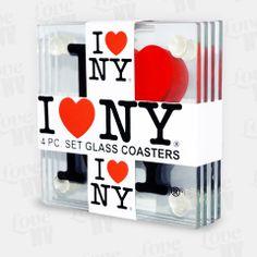 Schützen Sie Ihren Tisch oder Unterlage mit diesem original I LOVE NY Glasuntersetzer Set. Bestehend aus insgesamt 4 Untersetzern aus Glas, bestechen sie durch das weltbekannte I LOVE NY Logo. Schützende Gumminoppen verhindern ein Zerkratzen der Unterlage und bieten Ihrem Glas oder Ihrer Kaffeetasse stets einen festen Halt. #untersetzer #glasuntersetzer #set #coasters #iloveny #newyorkcity #newyork #nyc #ny I Love Ny, Coasters, Nyc, Logo, Glass, Coffee Cups, Products, Table, Logos