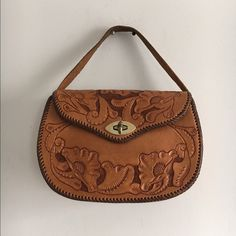 """Vintage Mexican Brown Leather Purse Tooled Floral Engraved Sides - Absolutely beautiful - great condition, inside and out   Era1965-1976 (Mod, Hippie, Disco). Dimensions: 11.5"""" x 7.5"""" Strap: 21"""" Bags Satchels"""
