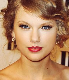 I like how there is a little but of eyeshadow under her eyes too. It makes them pop
