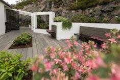 Huseierne ble målløse av Tid for hjems drømmehage - Lilly is Love Garden Gazebo, Garden Bridge, Outdoor Sofa, Outdoor Spaces, Outdoor Decor, Dream Garden, Home And Garden, Norway Design, Urban Nature