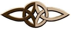 Este símbolo celta de amor eterno está formado por dos triskeles. Cada uno de los triskeles, tiene tres nudos (tres puntas), denotan los...