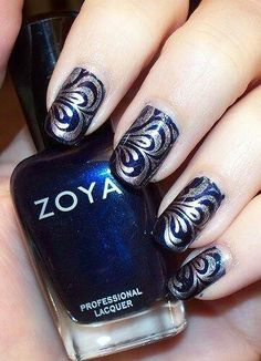 I need to put my nails back . I need to marry water Pinner I need to put my nails back on. Wow Nails, Pretty Nails, Nail Art Designs, Blue And Silver Nails, Fingernails Painted, Water Marble Nail Art, Finger Nail Art, Fabulous Nails, Gorgeous Nails