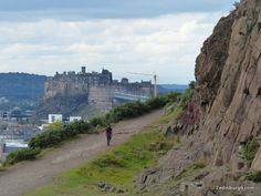 Salisbury Crags Walk through Holyrood Park in Edinburgh for fine views over the city and towards Calton Hill for visitors to Craigwell Cottage. Visit Edinburgh, Edinburgh Castle, Days Out In Scotland, Famous Castles, Family Days Out, Great View, Monument Valley, Places To Visit, Salisbury