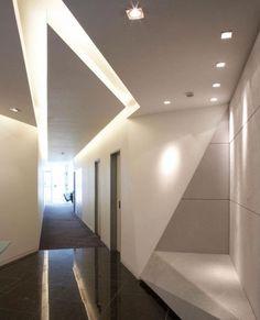 90 Best Modern Ceiling Design for Home Interior Architecture Origami, Interior Architecture, Design Commercial, Commercial Interiors, Modern Lighting Design, Interior Lighting, Cove Lighting, Contemporary Design, House Ceiling Design