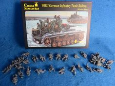 Caesar WWII German Infantry Tank Riders 32 figures in 1:72 scale (25mm) (#079), 25mm Toy Soldiers+WWII Figures (25mm) Manufacturers 25mm+CAESAR
