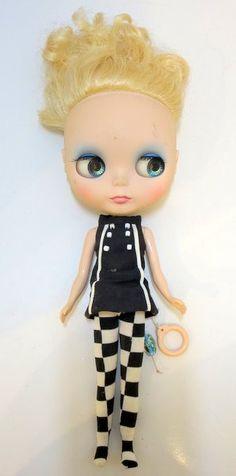 Mandarake | Custom Blythe blonde hair erect