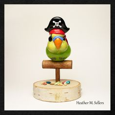 Pirate Parrot, Easy Doodle Art, Glass Animals, Clay Charms, Lampwork Beads, Pirates, Glass Art, Glass Beads, Perfume Bottles