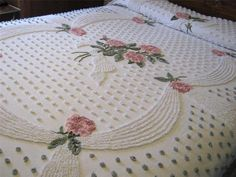 Exquisite Vintage Chenille Bedspread with Rose Garlands