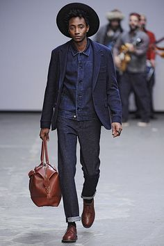 Oliver Spencer shows at the London Collections. London Fashion Week Mens, Mens Fashion, Oliver Spencer, Gq, Catwalk, Fashion Forward, My Style, Style Men, Handsome