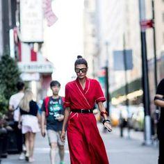 Street style de la New York Fashion Week : la robe ceinturée