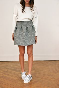 In love with the shape of the skirt, and accentuation at the waist. Want this so bad.