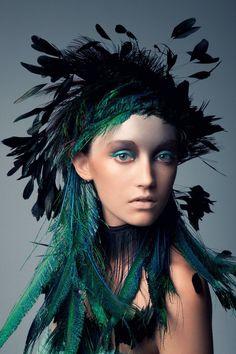 News fashion & beauty culture: makeup bird fashion kopfschmuck, think u News Fashion, Foto Fashion, Fashion Shoot, Fashion Beauty, Wild Fashion, Fashion Art, Beauty Portrait, Foto Art, Fantasy Makeup