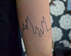 Qual melhor maneira de mostrar seu amor por Harry Potter do que obter uma série temática de tatuagens dignas de J.K.Rowling?! Para inspirar todos os Potterheads lá fora, Bored Panda montou uma list…