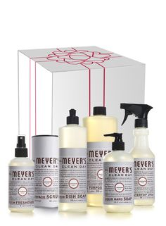 Best cleaners for overall health.   Lavender Cleaning Gift Set from Mrs. Meyer's Clean Day.  #crueltyfree #noanimaltesting