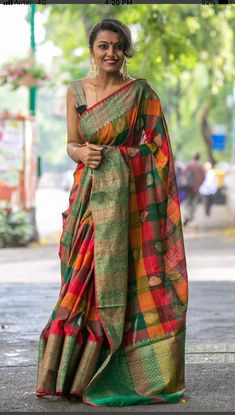 Amiable Green Colored Soft Silk Saree with Matching Color silk Blouse. It contained of Printed. The Blouse which can be customized up to bust size This Unstitch Saree Length mtr including mtr Blouse. Simple Sarees, Trendy Sarees, Stylish Sarees, Saree Blouse Patterns, Saree Blouse Designs, Silk Saree Kanchipuram, Handloom Saree, Checks Saree, Indian Look