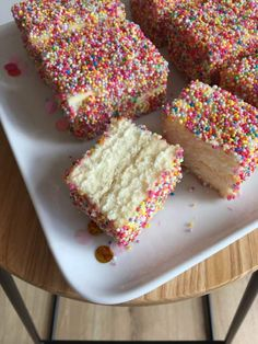 Fairy Bread Lamingtons This Australia Day I was bunkered down on the couch, taking it easy and appreciating how lucky we are to live in this beautiful country. I also spent it eating 3 of these del… Baking Recipes, Cake Recipes, Dessert Recipes, Desserts, Food Cakes, Cupcake Cakes, Cupcakes, Fairy Food, Fairy Bread