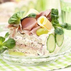 Smörgåstårta med skinka & leverpastej