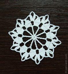 Crochet Snowflake page 1/2