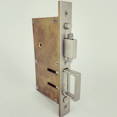 At Chant we don't only manufacture handles but the entire set of hardware for all you applications. The Sliding Door Compression Lock range not only locks but isolates spaces by compression weather seals
