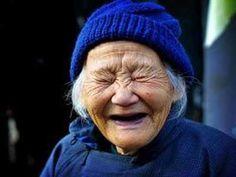 Risas y ojos cerrados... se disfruta mucho más .)