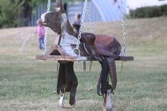Outdoor Horse And Saddle Swing. I'll have to have Drew whip this up for the girls. Saddle Swing, Kids Saddle, Horse Swing, Outdoor Baby, Outdoor Ideas, Outdoor Living, Backyard Swings, Horseshoe Crafts, Lucky Horseshoe