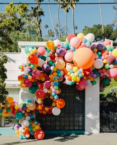 The Organic Balloon Arch – Today Shines