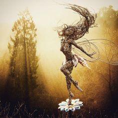 Garden Art, Garden Design, Wire Art Sculpture, Wind Sculptures, Wow Art, Angel Art, Paper Clay, Fairy Art, Garden Projects